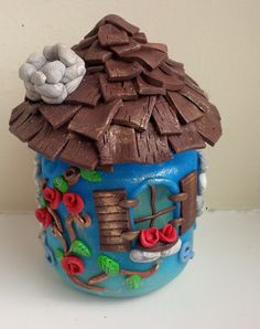 Fairy House with Welcoming Fireplace Polymer por FabTastesQuirky