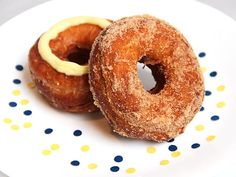 DIY Cronut Hack: Fauxnuts Made With Store-bought Dough Best Donut Recipe, Donut Recipes, Baking Recipes, Breakfast Items, Breakfast Recipes, Dessert Recipes, Yummy Treats, Yummy Food, Decadent Food