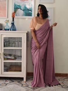Saree Blouse Neck Designs, Fancy Blouse Designs, Designs For Dresses, Saree Jacket Designs Latest, Stylish Blouse Design, Saree Trends, Designer Blouse Patterns, Blouse Models, Stylish Sarees