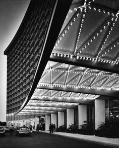 Century Plaza Hotel, Century City, California, 1966    Architect: Minoru Yamasaki    by Julius Shulman