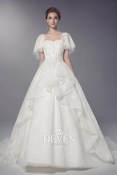 Detachable Strap Tulle Beaded Lace Applique Ball Gown Wedding Dress