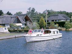 "Turisme Fluvial als ""Norfolk Broads"", Anglaterra"