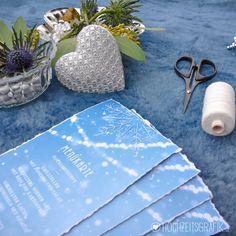 >> Menükarten für Winterhochzeit Schneeflocken, Stickerei Design www.hochzeitsgrafik.at Tableware, Design, Snowflake Embroidery, Dinnerware, Tablewares, Dishes, Place Settings