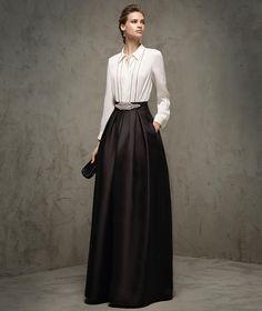 Vestido compuesto de falda y blusa