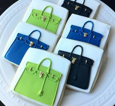 Hermes Inspired Birkin Bag decorated handbag cookies via Etsy Fancy Cookies, Iced Cookies, Cute Cookies, Royal Icing Cookies, Cupcake Cookies, Sugar Cookies, Bolacha Cookies, Galletas Cookies, Cookie Designs