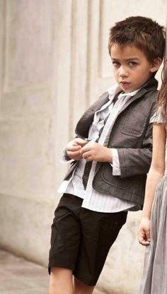 Klara's twin, Zak (6) Kids Fashion Photography, Beautiful Children, Pretty Dresses, Dapper, Twins, Entertaining, Boys, People, Fun