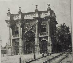 La casona de los Mier y Pesaddo. Donde después se construiría el edificio Ermita.