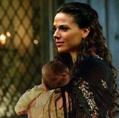 I love these edits that imagine Regina raising little Enchanted Forest babies. Hopefully with Robin.
