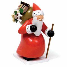 Wendt und Kuehn Workshop of Gruenhainichen at The Wooden Wagon German Christmas, Christmas Past, All Things Christmas, Vintage Christmas, Wooden Figurines, Wooden Dolls, Wooden Hand, Handmade Wooden, Wendt Kühn