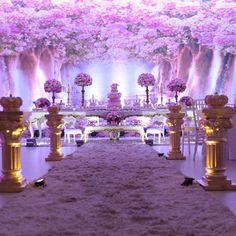 Festa de hoje: Jardim da Princesa Maria Alice no Magic Point! Fotos by @nucleo_astucia  @douceenfant @buffetmagicpoint @vivartt @mimosedeliciasgo @armazemdasfloresgo @uniproducao @nucleo_astucia @i9filmeskids  #douceenfant#douceenfantatelierdefestas #kidsparty #decoracaoinfantil #festademenino #festademenina #party#partykids#decoracaoinfantil #festainfantil#partydecor #decorationparty #festainfantilgoiania#celebrare #partydesigner#partyideas #loucaporfestas#encontrandoideias #queridadata#mae_fes Flower Party Themes, Princess Party Decorations, Birthday Decorations, Sweet 16 Decorations, Indian Wedding Decorations, Girl Birthday, Birthday Parties, Butterfly Garden Party, Cherry Blossom Theme