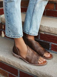 Mont Blanc Sandal Made with the finest Spanish craftsmanship and leather, this open toe shoe features side cutouts. *By Free People Open Toe Shoes, Open Toe Sandals, Shoes Sandals, Women's Flats, Flat Sandals, Cute Shoes, Me Too Shoes, Daily Shoes, Botas Western