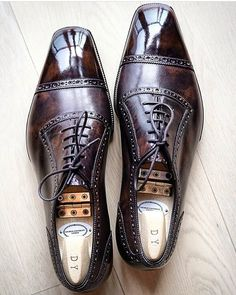 Welcome to George Cleverley, a Bespoke London Shoemaker. We manufacture handmade shoes in England of the finest quality. Exceptional shoes for unique individuals. Simple Shoes, Casual Shoes, Shoes Style, Formal Shoes, Men Casual, Finsbury Shoes, Shoes Brown, Men Dress, Dress Shoes