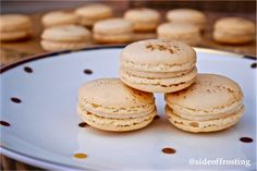 Vanilla Spice macarons, perfect for a cosy autumn afternoon!