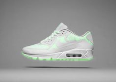 Duas coleções especiais: NIKE air max glow in the dark e NIKE  air max reflective