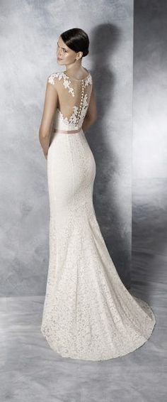 Looking to rent or buy designer bridal gowns and lace wedding dresses in Singapore . Blessed Brides carries Pronovias White one and La Sposa Collections. Pronovias Wedding Dress, Wedding Gowns, Mermaid Dresses, Bridal Dresses, Happy Brautmoden, Blush Pink Wedding Dress, Boho Wedding Dress Bohemian, Boho Vintage, Bridal Collection