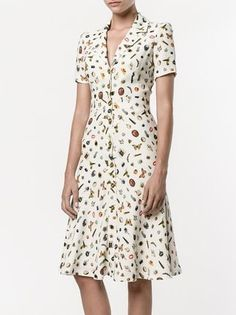 Shop Alexander McQueen Obsession print shirt dress from our Day Dresses collection. Cute Dresses, Vintage Dresses, Casual Dresses, Short Dresses, Summer Dresses, Modest Fashion, Fashion Dresses, Alexander Mcqueen, Dress Sewing Patterns