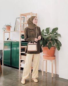 Modern Hijab Fashion, Street Hijab Fashion, Hijab Fashion Inspiration, Muslim Fashion, Ootd Fashion, Fashion Outfits, Casual Hijab Outfit, Ootd Hijab, Hijab Chic