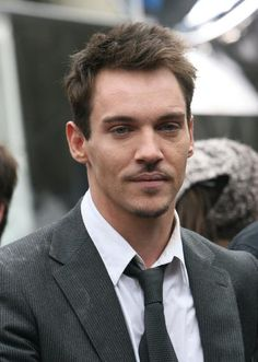 jonathan rhys meyers | Jonathan Rhys Meyers Cast as Valentine in The Mortal Instruments Movie