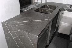 0005 REALIZZATO progetto piani cucina in pietra graffite e lavelli scatolari, design by blancomarmo.it