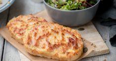Duplasajtos-sonkás melegszendvics recept képpel. Hozzávalók és az elkészítés részletes leírása. A Duplasajtos-sonkás melegszendvics elkészítési ideje: 17 perc Potato Pizza Recipe, Pizza Recipes, Meat Recipes, French Bread Pizza, Good Pizza, Baked Goods, Macaroni And Cheese, Tapas, Sandwiches