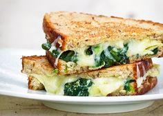 Depois de testar nossas receitas, seu queijo quente nunca mais será o mesmo. Afinal de contas, não é porque o lanchinho é básico que não merece versões repaginadas e deliciosas, né?