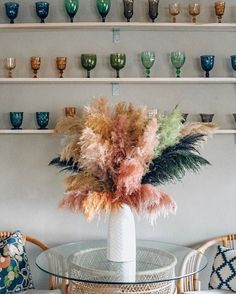 pampas grass is a stunning and sustainable choice for your party florals—unusual, wild and eye-catching. Dried Flower Arrangements, Dried Flowers, Living Pequeños, Living Room, Casa Milano, Interior Inspiration, Design Inspiration, Design Ideas, Grass Decor