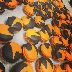 Baking pumpkin macarons at Pitchoun!