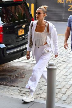 new clothes styles Urban Outfitters Outfit, Outfits Casual, Mode Outfits, Fashion Outfits, Beach Outfits, Summer Outfits, Chill Outfits, Winter Outfits, Bella Hadid Outfits