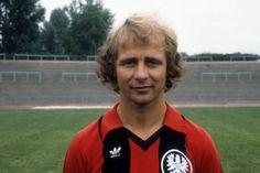 Bernd Hölzenbein of #Eintracht Frankfurt. Football, Legends, Soccer, American Football, Soccer Ball, Futbol
