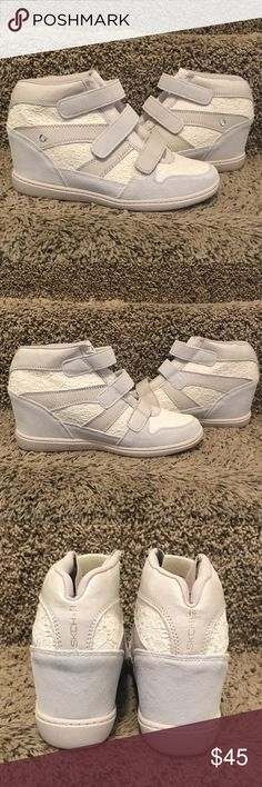 SKCH+3 SKECHERS WEDGE SNEAKERS FIRM PRICE! LOVE THE LACE ON THESE TWINS! SIZE 9 BRAND NEW NEVER WORN.  A UNIQUE PAIR 😍❤️💋 Skechers Shoes Sneakers