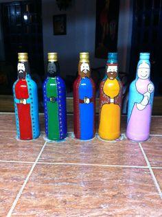 Nacimiento en botellas de vidrio , realizado por Maura Hernández . Venezuela