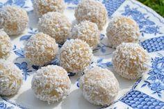 Proteinbollar med smak av kokos vanilj | Molly Olsson