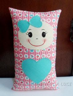 42 ideas for naninhas Fabric Crafts - Felt and craft molds - 42 ideas for naninhas Fabric Crafts – Felt and craft molds Sewing Toys, Baby Sewing, Sewing Crafts, Sewing Projects, Cute Pillows, Kids Pillows, Animal Pillows, Baby Girl Quilts, Girls Quilts