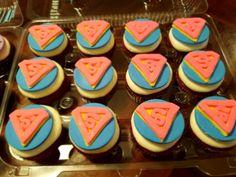 Girls superhero superman cupcakes