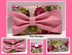 Bow Wristlet made with Vera Bradley Make Me Blush fabric by Brea Boutique