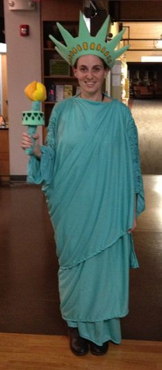 Know one sewing pattern of adult statue of liberty can