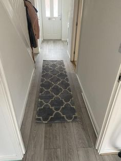 Review photo 1 Grey Runner, Trellis Pattern, 50 Off Sale, Pattern Fashion, Attic, Minimalism, Improve Yourself, Living Spaces, Beautiful