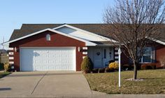 $164,000 AVAILABLE!  3210 Cherokee Drive, Marion, IL - PARKWAY VILLAS - IMMACULATE 55+ and over VILLA