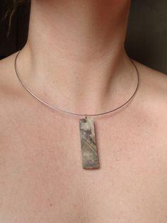Collier naturel en bois exotique, veinure naturelle, pendentif par bois et rois : Collier par bois-et-rois