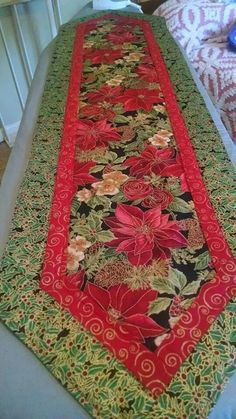 New sewing christmas projects table runners 40 Ideas Quilted Table Runners Christmas, Patchwork Table Runner, Christmas Runner, Table Runner And Placemats, Table Runner Pattern, Christmas Trees, Christmas Quilt Patterns, Christmas Quilting, Project Table