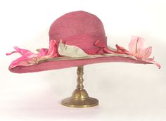 Wide brim straw hat, c.1920, from the Vintage Textile archives.