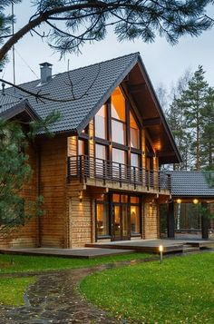 Classic collection: traditional Scandinavian style log homes for quality living - Honka Log Homes Exterior, Rustic Houses Exterior, Exterior Paint, Exterior Doors, Plan Chalet, Log Home Living, Living Room, Scandinavian Style Home, Scandinavian Bedroom