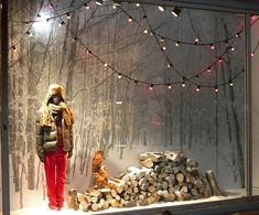 VM | Window Visual Merchandising | VM | Window Display | winter landscape,pinned by Ton van der Veer