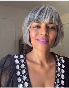 Grey Bob Hairstyles, Bobbed Hairstyles With Fringe, Scene Hairstyles, Haircuts, Grey Hair Journey, Charcoal Hair, Silver White Hair, Grey Hair Inspiration, Green Hair
