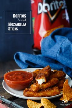 Doritos Crusted Mozzarella Sticks a really simple recipe great for a easy appetizer. Appetizer Dips, Appetizer Recipes, Snack Recipes, Cooking Recipes, Snacks, Doritos Recipes, Good Food, Yummy Food, Game Day Food