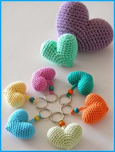 Creative Knitting and Crochet Projects You Would Love Adorable Heart Key Chain Ornaments. Super easy and quick to crochet these adorable heart ornaments and add a personal touch to your key chains. Tutorial via Crochet Diy, Easy Crochet Projects, Crochet Amigurumi, Love Crochet, Crochet Gifts, Crochet Shawl, Crochet Stitches, Crochet Edgings, Crochet Hearts
