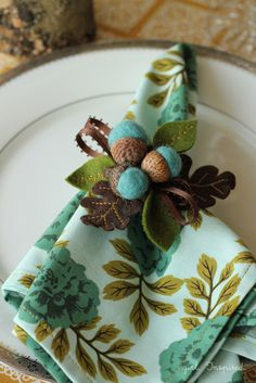 How to Sew Dinner Napkins, these are so adorable. want some for my thanksgiving table