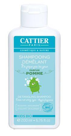 Le shampoing démêlant Kids bio Cattier est idéal pour nettoyer, hydrater et démêler les cheveux délicats de vos enfants. Sa formule à base de protéines de blé aux propriétés démêlantes garantit des cheveux faciles à coiffer, sans aucun noeud ! Sans sulfate, sans paraben et sans allergène étiquetables. #Cattier #shampoing #enfants