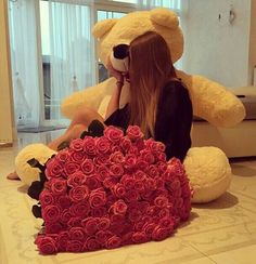 Find images and videos about flowers, rose and teddy bear on We Heart It - the app to get lost in what you love. Giant Teddy Bear, Big Teddy, Teddy Girl, Cute Teddy Bears, Big Bear, Valentines Day Goals, Be My Valentine, Stylish Dpz, Stylish Girl