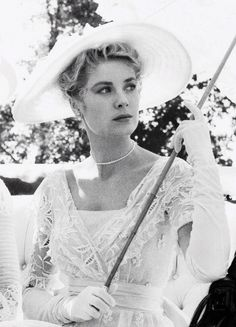 grace kelly on the set of the swan